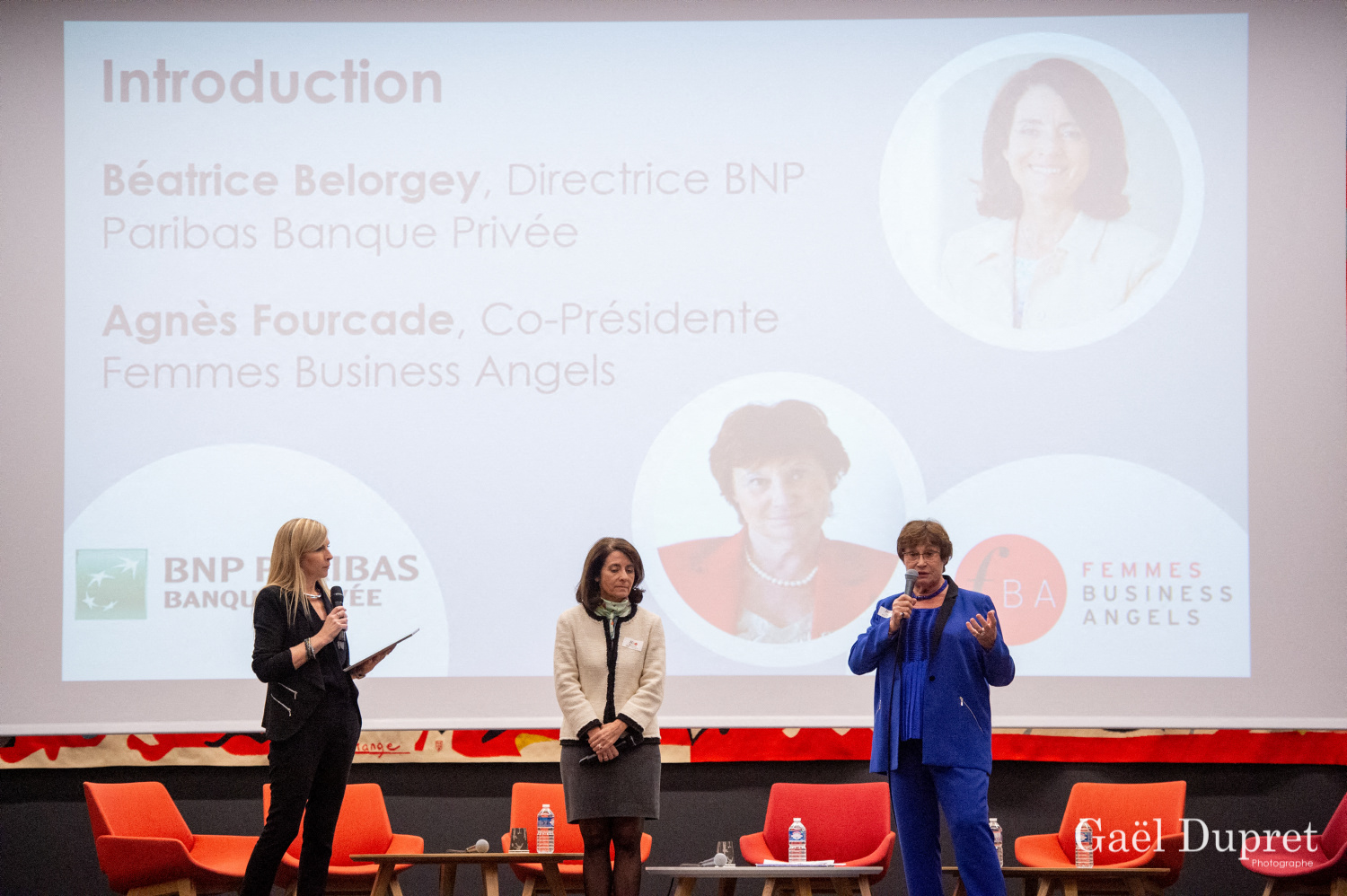 ©Gaël Dupret, France, Paris le 2018-11-15 : 2ème édition des WINDAY Paris par FBA - Femmes Business Angels. Photo : Isabelle GOUNIN-LEVY, Journaliste économique sur LCI,  Béatrice BELORGEY, Directrice BNP Paribas Banque Privée et Agnès FOURCADE, Co-Présidente de Femmes Business Angels.   Isabelle GOUNIN-LEVY, Economic Journalist on LCI, Beatrice BELORGEY, Director BNP Paribas Private Banking and Agnès FOURCADE, Co-President of Women Business Angels.