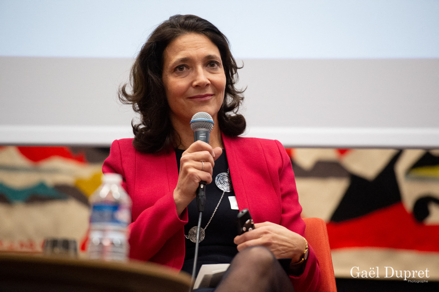 ©Gaël Dupret, France, Paris le 2018-11-15 : 2ème édition des WINDAY Paris par FBA - Femmes Business Angels. Photo : Présentation de l'étude WA4E :  Florence RICHARDSON, Co-Présidente de Femmes Business Angels.   Presentation of the WA4E study: Florence RICHARDSON, Co-President of Women Business Angels.